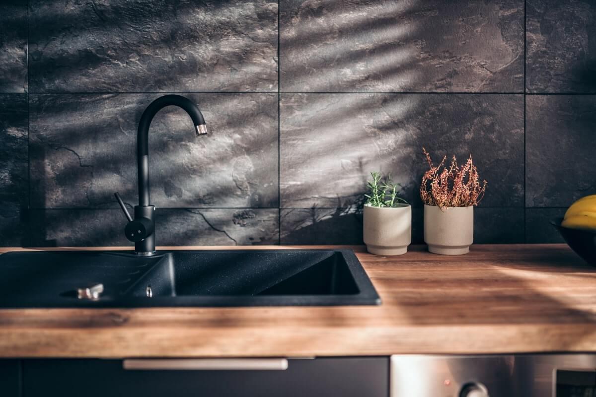 Do Black Kitchen Taps Scratch?