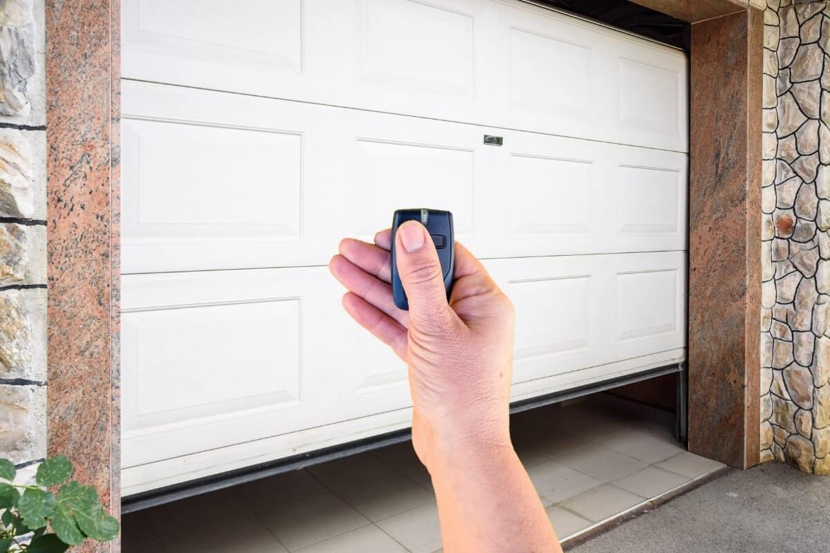 Do Garage Openers Have Batteries?
