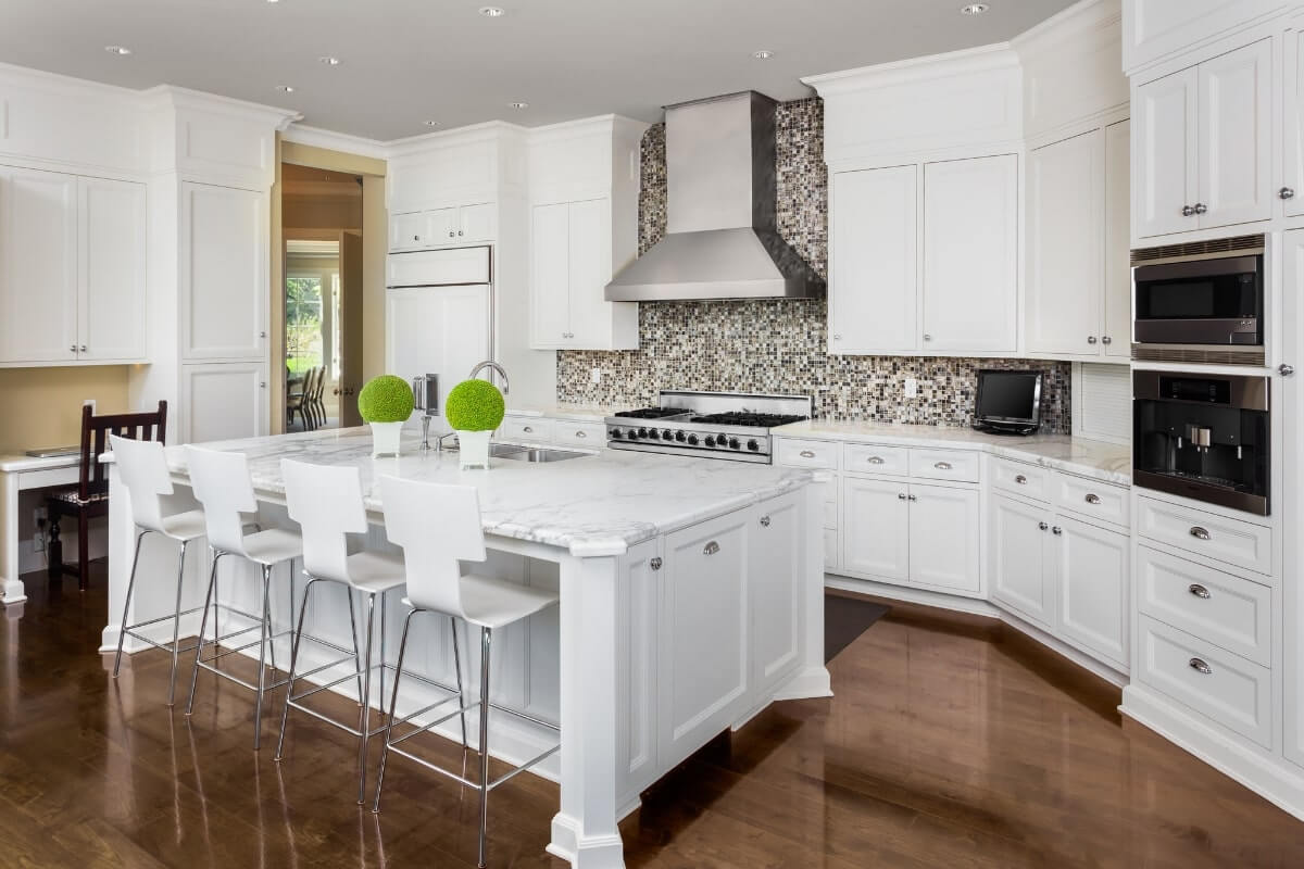 Do Kitchen Cabinets Need to be Symmetrical?