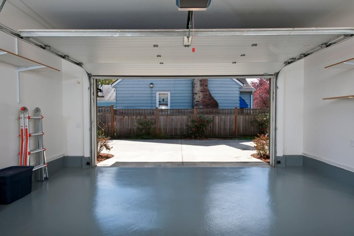 Pros and Cons of Sealing Garage Floor